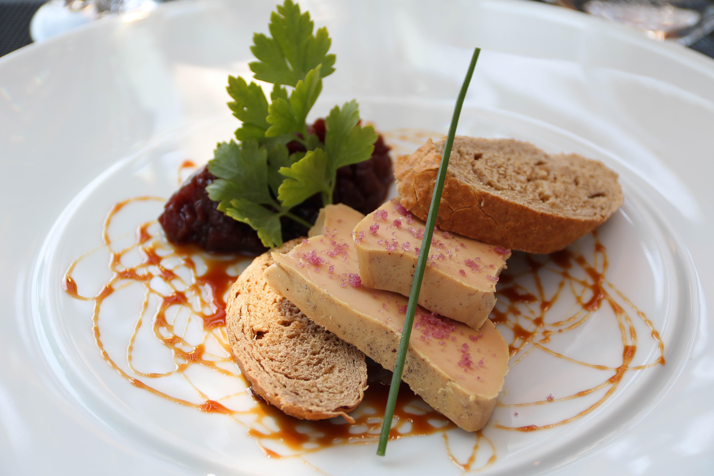 Indulge at Restaurant Coteaux et Fourchettes. Rhone Valley vacations_girlgonetravel